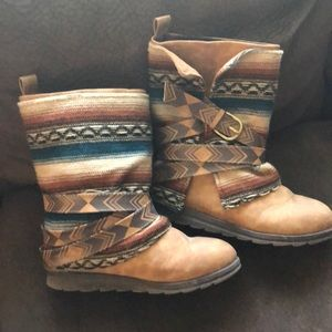 Muk Luk boots !